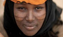 ถึงจะเจ็บก็ต้องทนเพื่อความสวย ค่านิยมความงามของชนเผ่าในแอฟริกา