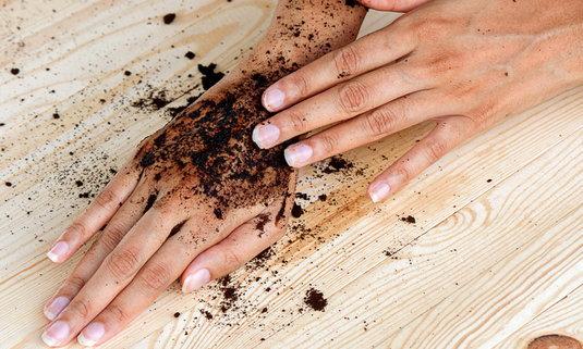 รวมสูตรกากกาแฟขัดผิว เสกผิวขาวใส ด้วยวัตถุดิบหาง่ายรอบตัว