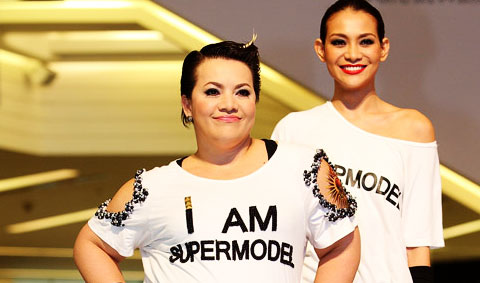 Suri Super Model : แฟชั่นโชว์ครั้งบึ้มของสาวบิ๊กไซส์ by สุริวิภา