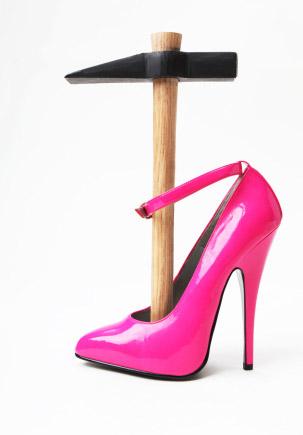 นี่ก็เป็นเทรนด์...ผ่าตัดเท้าเล็กเพื่อใส่ส้นสูง !!!