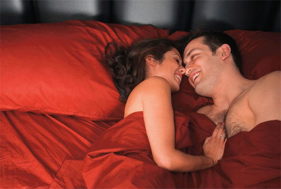 เคล็ดลับครองรัก ที่เริ่มต้นในห้องนอน