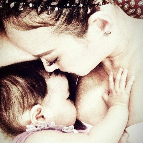 รวมภาพประทับใจของแม่ลูกดาราสุดฮอตปี 2013