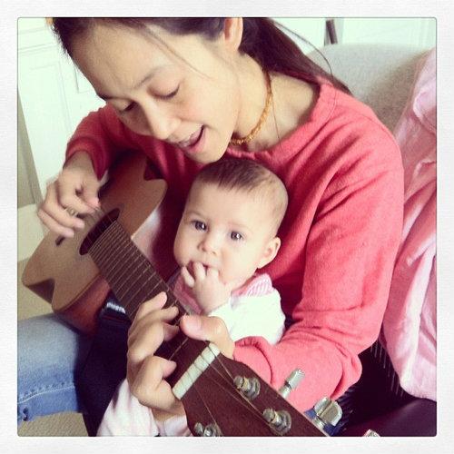 ชื่อไทยแต่นัยน์ตาฝรั่ง น้องเมตตา ลูกอุ้ม สิริยากร น่ารักมากๆ