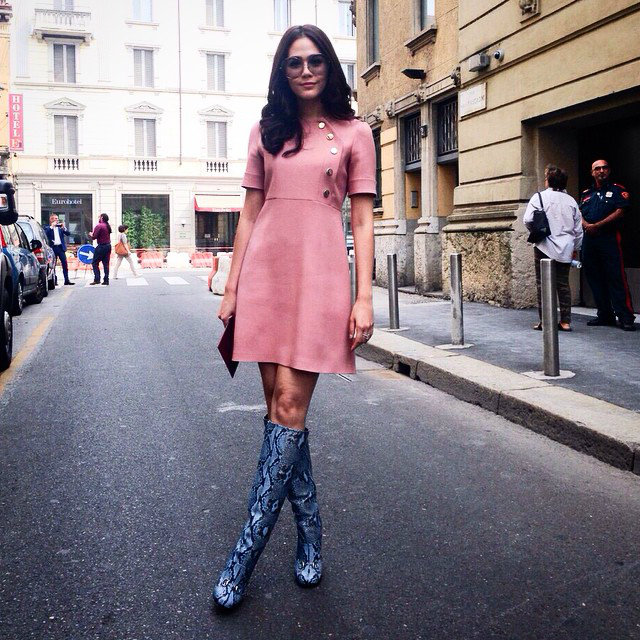 สวยอินเตอร์! ส่องแฟชั่น ชมพู่ อารยา ในงาน London Fashion Week