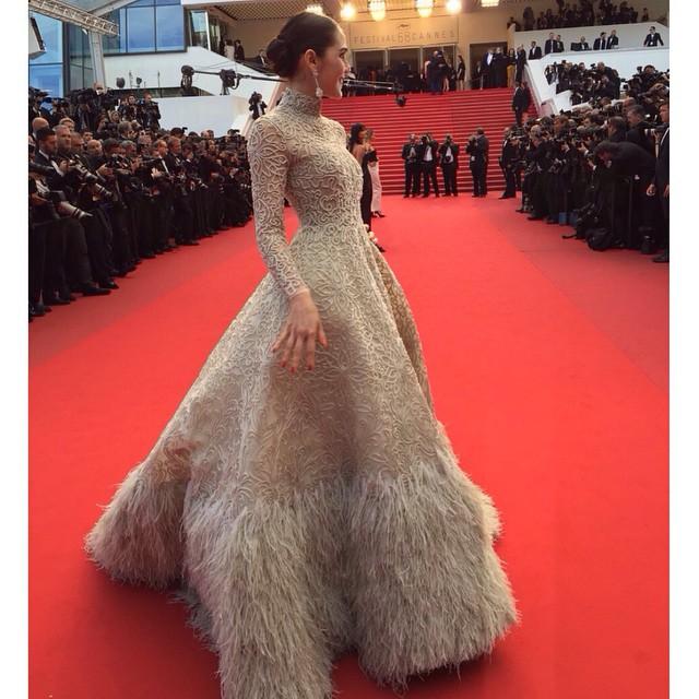 ย้อนดูชุด ชมพู่ อารยา เดินพรมแดงในเทศกาลหนังเมืองคานส์
