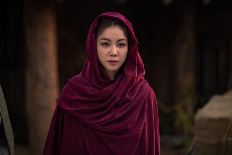 """เซอร์ไพรส์หนักมาก! """"จีซู BLACKPINK"""" สวมกอด """"ซงจุงกิ"""" ใน Arthdal Chronicles จาก Netflix"""