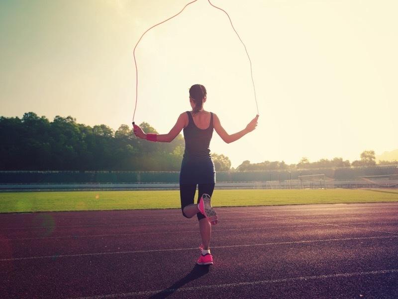 10 ประโยชน์จากการกระโดดเชือก ผอมอย่างเดียวไม่พอบอกเลย